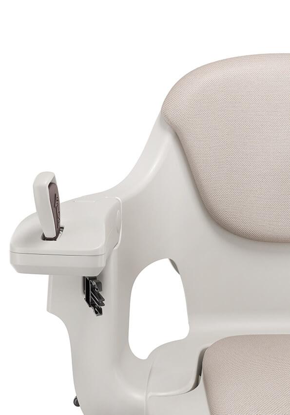 จอยสติ้ก ควบคุมการเคลื่อนที่ของเก้าอี้